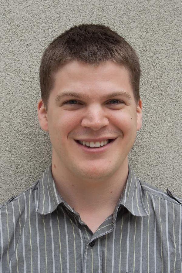 斯图尔特·詹森(Stuart Jantzen)是 Biocinematics 的创建者,这是一个托管在 YouTube 上的教育科学频道